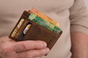 Data wygaśnięcia oraz kod bezpieczeństwa karty kredytowej
