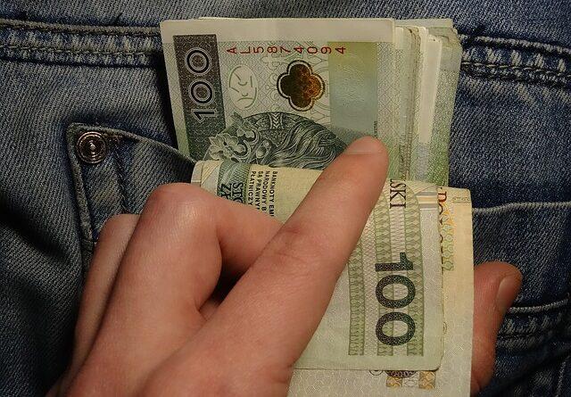 Jak pożyczyć od kogoś pieniądze