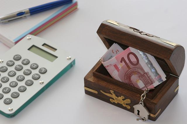 Skąd ludzie mają pieniądze na podróże